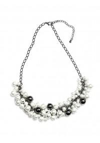 Naszyjnik ze srebrnymi perełkami