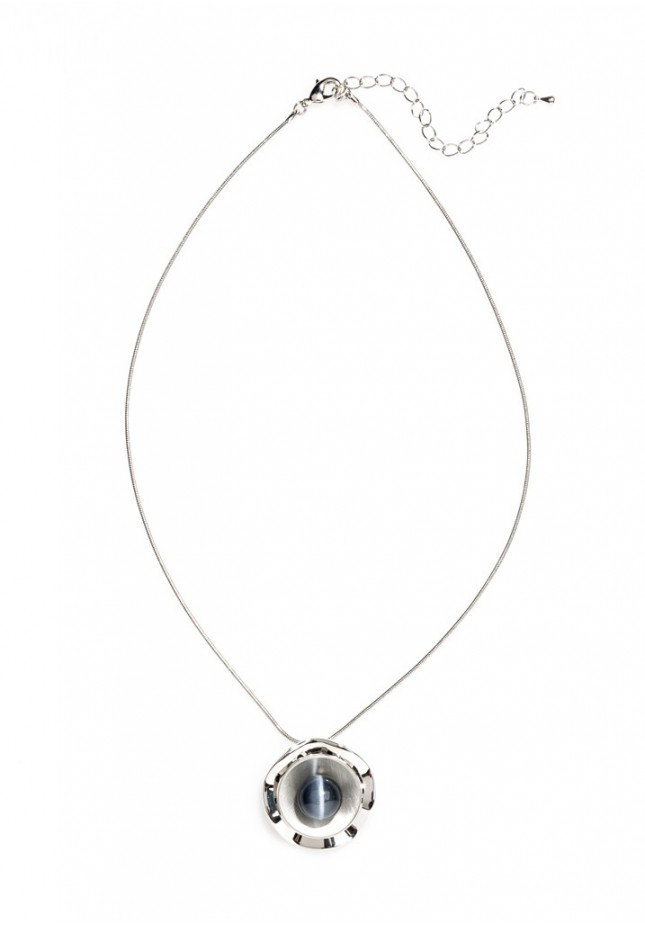 Necklace with navy blue pearl