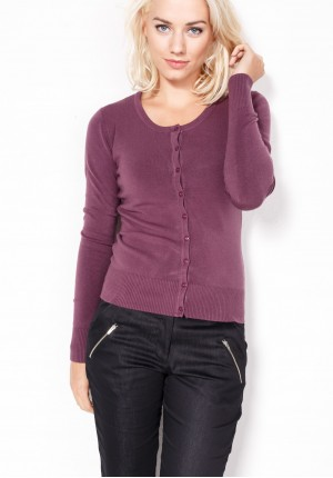Sweater in bright plum color
