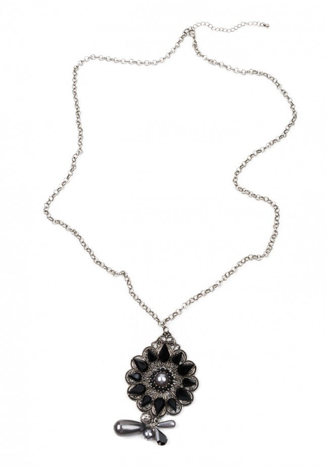 Necklace with black flower