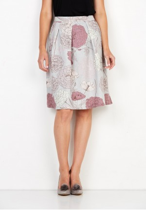 Flared skirt with flowers
