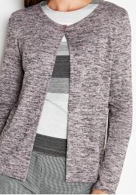 Różowy sweterek na jeden guzik