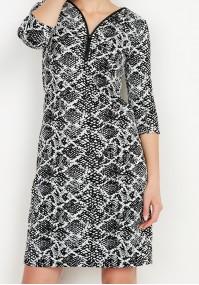 Sukienka z dekoltem w szpic