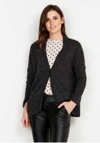 Sweater with one Button