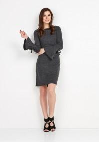 Sukienka z dzwonkowymi rękawami