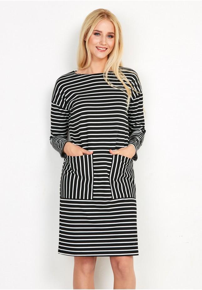 Sukienka w paski z kieszeniami