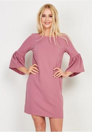Różowa prosta sukienka z szerokimi rękawami