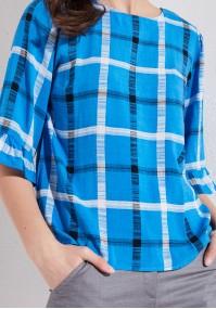 Niebieska bluzka w kratkę