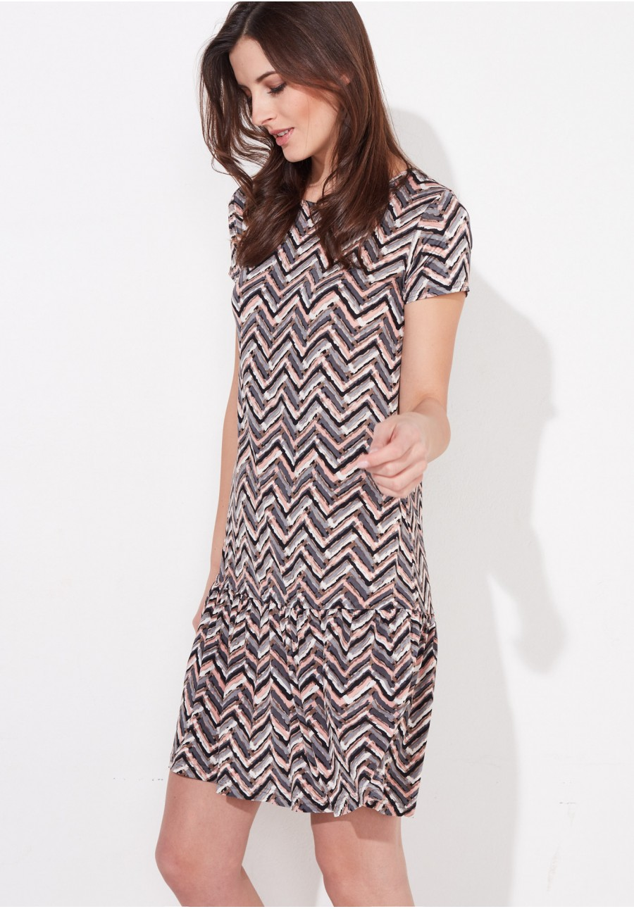b3d08647ad Pastelowa sukienka z falbaną