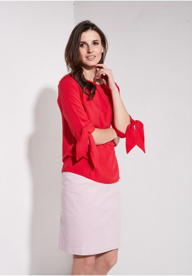 Różowa spódnica ołówkowa