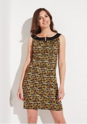 Trapezowa sukienka w kwadraty