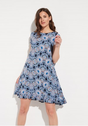Loose dress with a frill