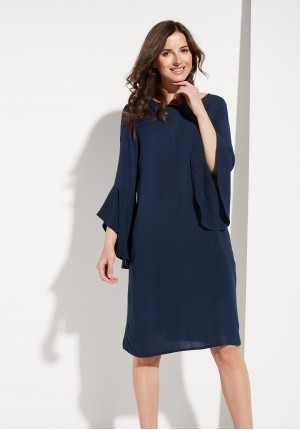 Sukienka z Szerokimi Rękawami