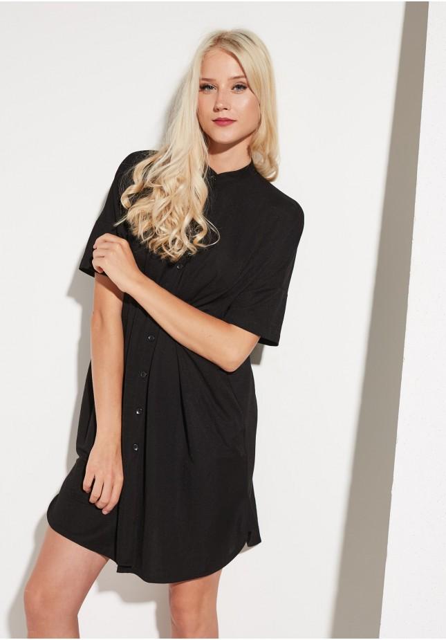 Sukienka o kroju koszulowym