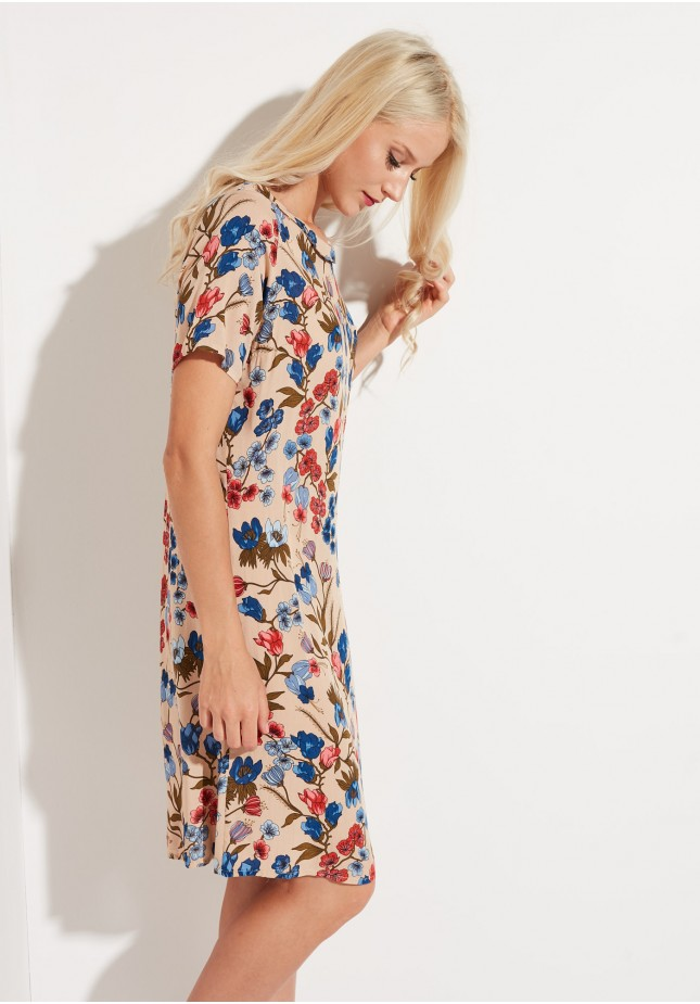 Sukienka motywy kwiatowe