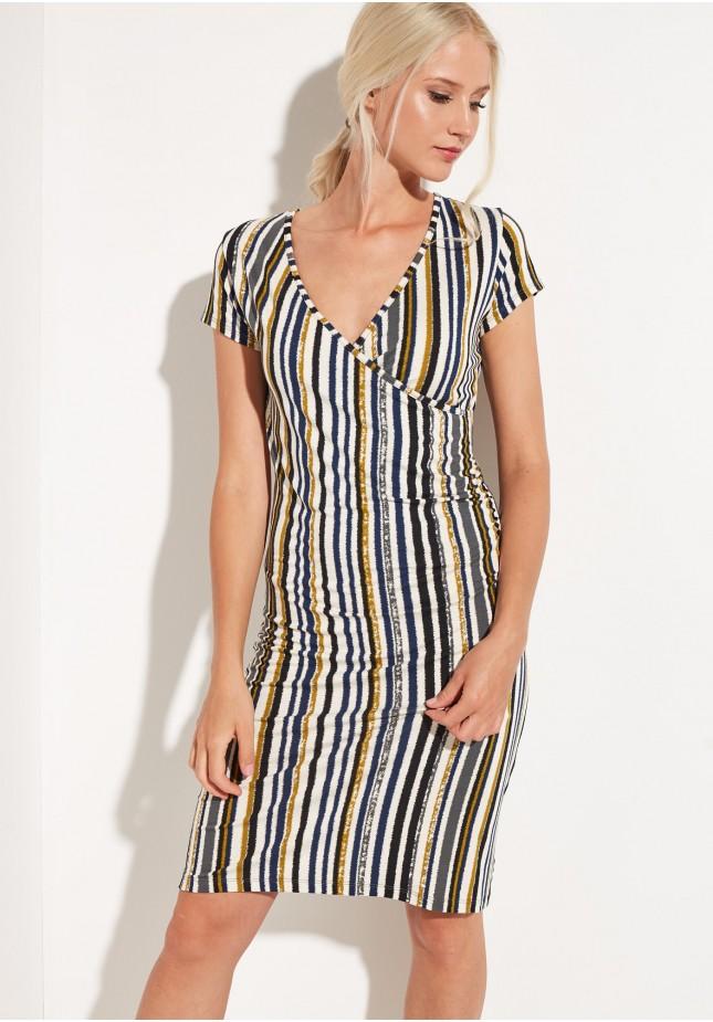 Sukienka w pionowe paski