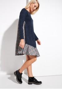 Granatowa sukienka z falbaną w kratę