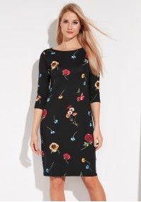 Czarna Sukienka w Maki