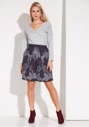 Navy blue Skirt with pleat