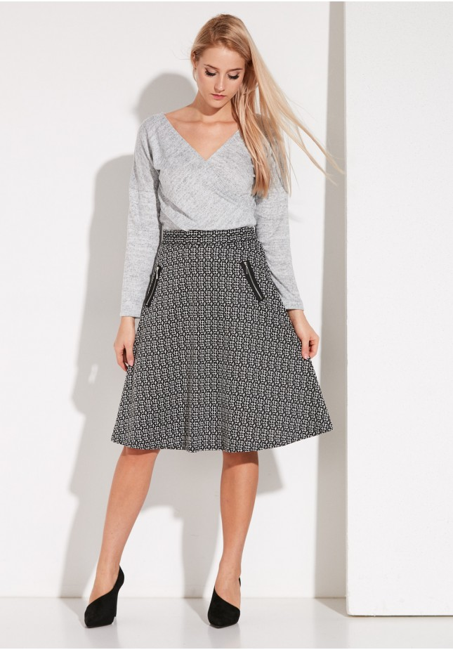 Flared shepherd's plaid skirt