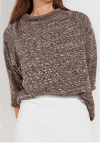 Loose Sweater with semi-golf