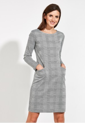 Dopasowana Sukienka w kratkę