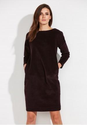 Śliwkowa sztruksowa sukienka