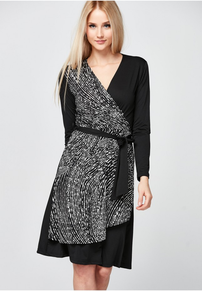 Elegant Dress with an envelope neckline