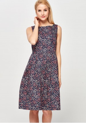 Rozkloszowana Sukienka w drobne kwiatki