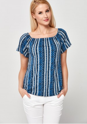 Knitted Blouse with summer cleavage