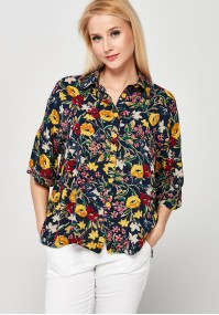 Shirt with flowers and 3/4 sleeves