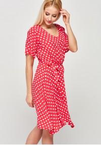 Malinowa sukienka w kropki z wiązaniem w pasie