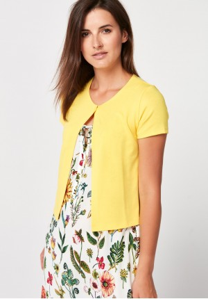 Yellow sweater with short sleeves