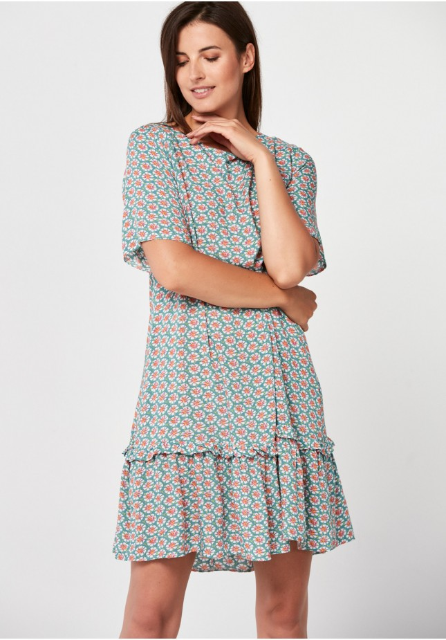 Loose green dress with flowers