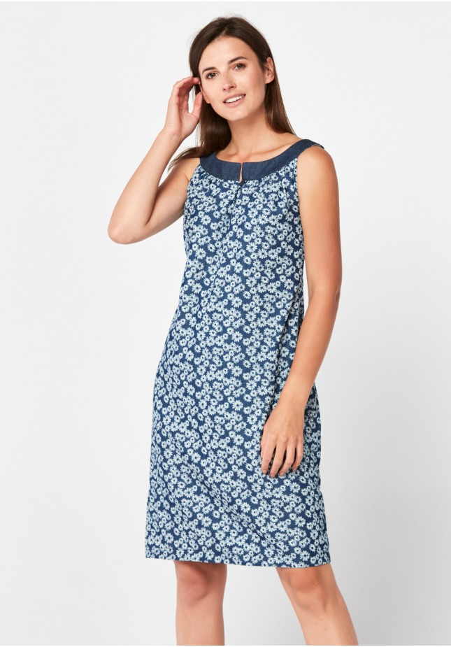 Prosta denimowa sukienka w rumianki
