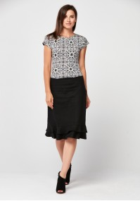 Black simple skirt with frill