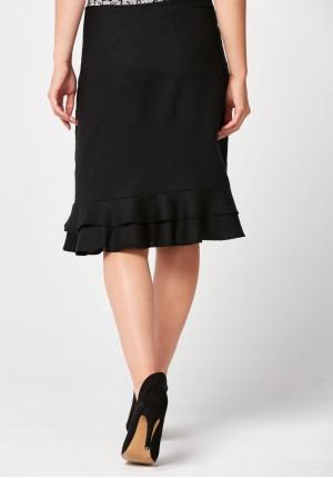 Czarna prosta spódnica z falbanką