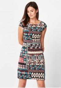 Sukienka w kolorowe wzory