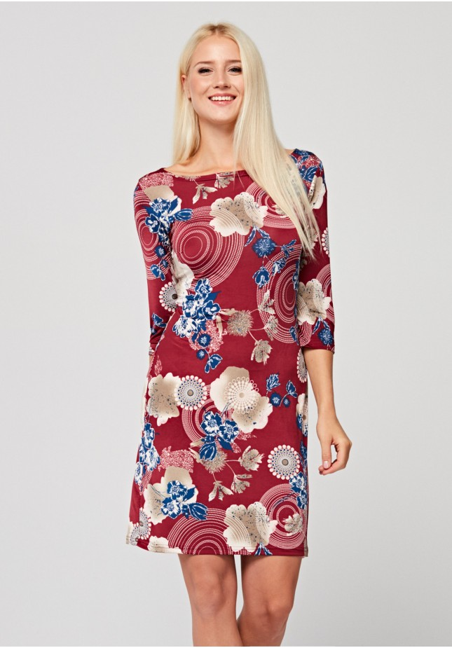 Fitted dress with big flowers