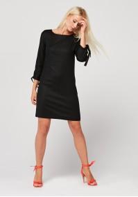 Czarna prosta sukienka