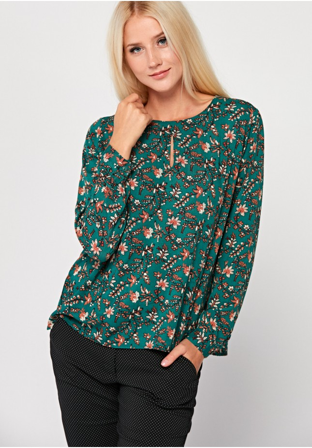 Autumn blouse with long sleeves