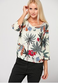 Loose blouse with 3/4 sleeves