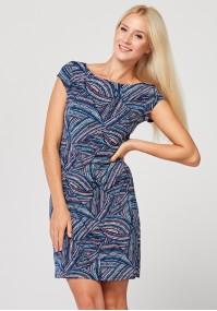 Prosta dopasowana sukienka w kolorowy wzór