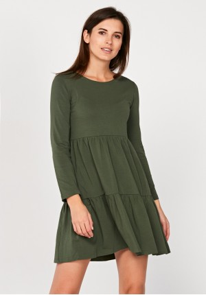 Sukienka z falabanami