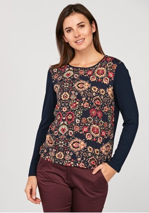 Loose blouse with flowers
