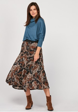 Skirt with elastic at the waist