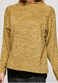 Sweater with semi-golf