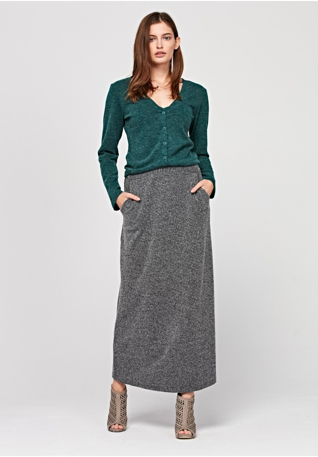 Długa dzianinowa spódnica