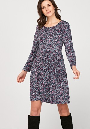 Tapered waist dress with small flowers