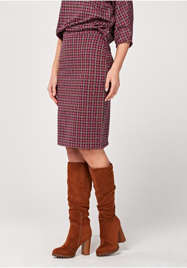 Pencil pink skirt